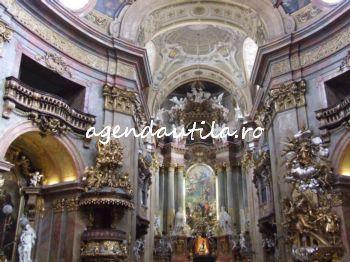 5 obiective turistice de vazut gratis in Viena:peterskirche viena1