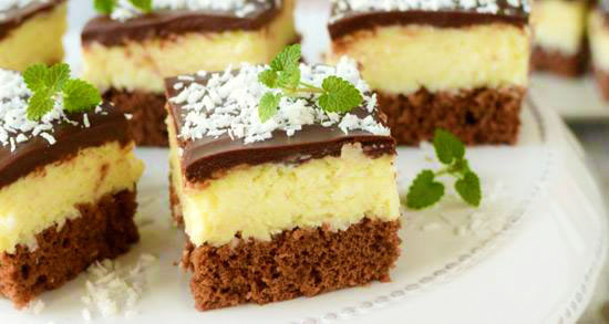 prajitura cu blat de cacao si crema de cocos1