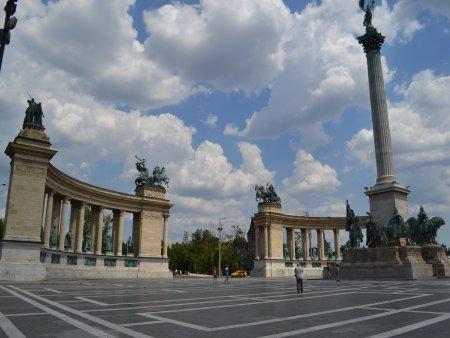 obiective turistice interesante in budapesta hosok ter 1