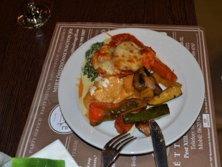 restaurante in budapesta trofeea grill 2