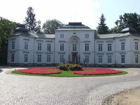 palatul myslewicki recomandari turistice in varsovia