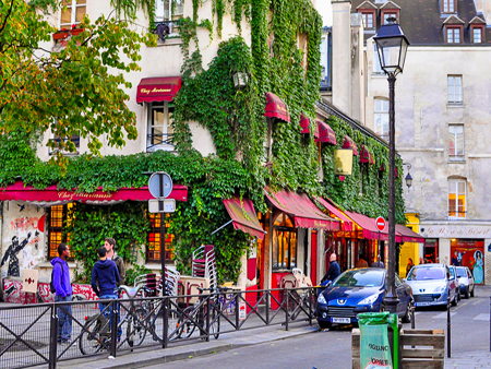 10 Locuri de vizitat gratuit in Paris street-marais-paris-france