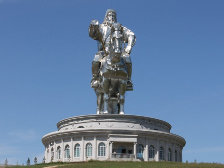 Statuia lui Ginghis Han mongolia
