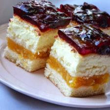 prajitura-cu-crema-de-vanilie-mere-si-jeleu-de-cirese