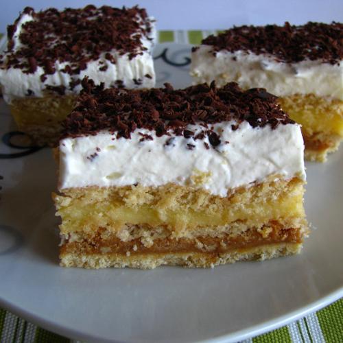 Prajitura cu biscuiti crema caramel si vanilie