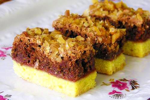 prajitura cu nuci ciocolata si gem de caise1