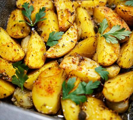 cartofi la cuptor cu cimbru si oregano