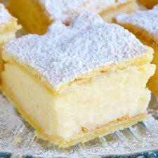 Cremsnit cu crema de vanilie