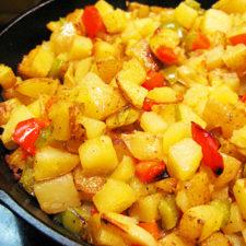 Cartofi-de-post-la-tigaie-cu-ardei